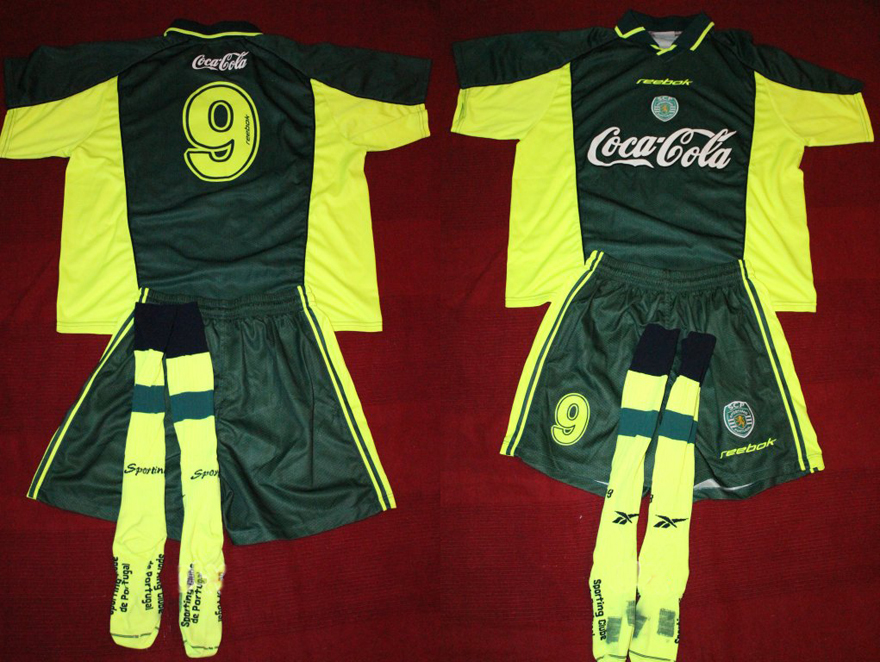 equipamento completo de um jogador de futebol da formação do Sporting