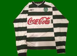2001/02, formação do Sporting. Equipamento listado de mangas compridas, de jogo