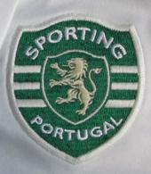 Terceiro equipamento branco do Sporting sem sponsor 2008/09