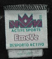 Sporting 1995/1996, iniciados. Equipamento listado de jogo, de um jovem de 12 anos. Marca Emevê - Desporto activo