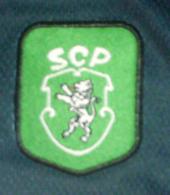 1999/2000, juniores do Sporting. Equipamento alternativo de jogo com publicidade em vermelho à Coca-Cola