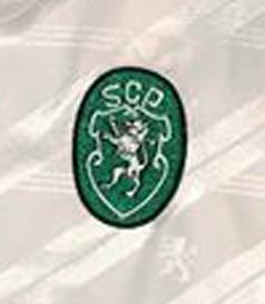 1992/93. Camisola alternativa branca com patrocínio Caramulo