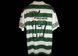 Sporting 1996 1997 Equipamento Adidas, com patrocínio Sapataria Relâmpago da vila Torre de Dona Chama