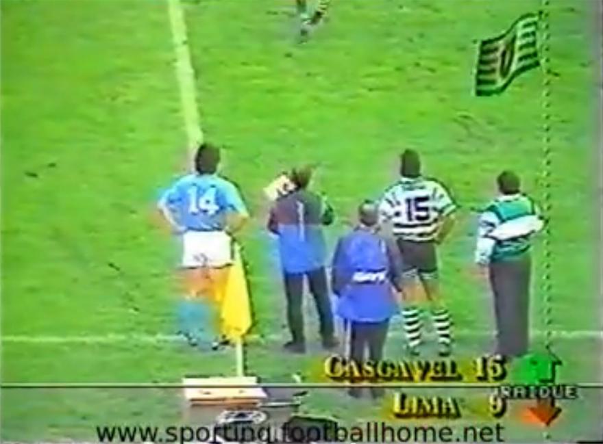 Cascavel a entrar no jogo da Taça UEFA contra o Napoli de Maradona