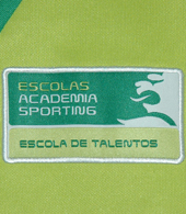 jacket of the track suit of a young goalkeeper from one Sporting Lisbon football school. Size child 12 years