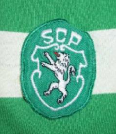 1982/83. Camisola de jogo Le Coq Sportif do Sporting com escudo de campeão nacional