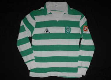 1982/83. Camisola de jogo Le Coq Sportif do Venâncio