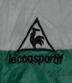 1985/87. Camisola listada da Le Coq Sportif, com tecido mais brilhante e mais fino
