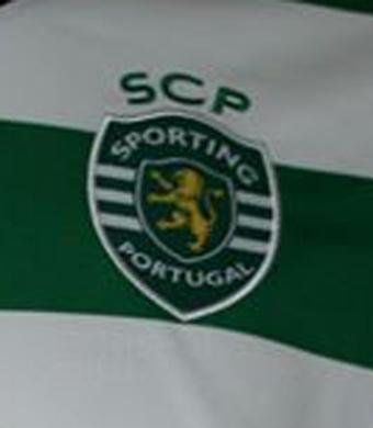2017/18. Camisola de jogo do Sporting, do Bruno Fernandes