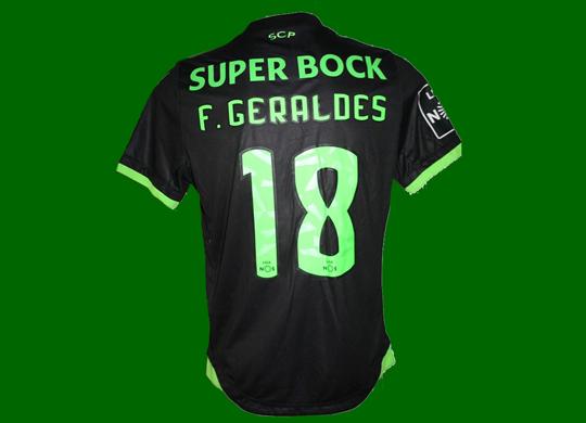 2016/17. Equipamento de jogo do Sporting, do jogador de futebol Francisco Geraldes