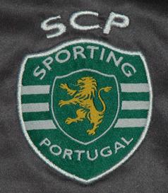 Camisola do Azbe Jug do jogo contra o Arouca de 19/03/2016. As camisolas foram leiloadas, com a verba a reverter para a Missão Pavilhão