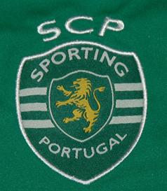 Camisola de guarda-redes do Sporting, fabricante Macron