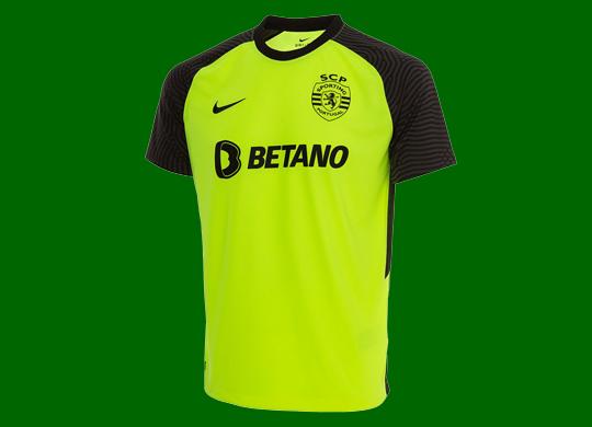 2021/22. Camisola alternativa do Sporting da Nike, da Loja Verde do Sporting