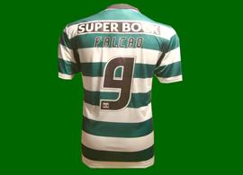 Camisola extraordinariamente ridícula! Radamel Falcão nunca jogou no Sporting
