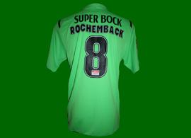 2009/10. Camisola alternativa verde shocking usada por Rochemback no jogo da Liga Sagres contra o Nacional da Madeira