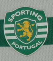 Equipamento de criança do Sporting, com camisola e calções. Em mau estado 2008/09