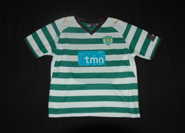 Small child kit, with shirt and shorts. In fairly bad shape Sporting CP 2008/09