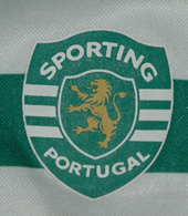 Child soccer jersey from the first Puma season with Sporting Lisbon