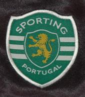 Match worn football shirt Sporting Portugal Paredes