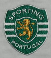 Polo do Sporting todo em branco, roupa para adeptos de 2010/11