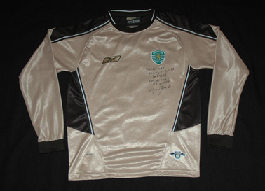2003/04, Sporting B. Equipamento dourado do Edgar Marcelino