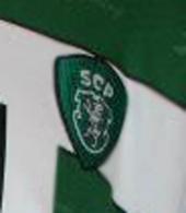 Emblema da camisola de jogo, usada por Hugo Vieira num jogo da pré-época 2001/02 do Sporting