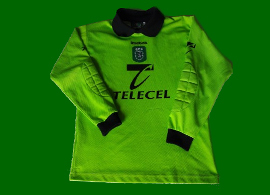 Schmeichel 1999 00 goal keeper children green replica football shirt