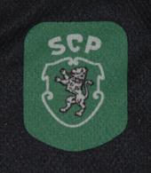 Camisola de criança alternativa do Sporting, com emblema rectangular 1999/00