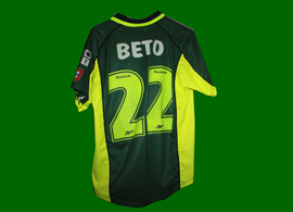 Sporting Lisbon away kit, with player name and number of Beto