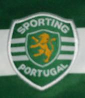 Camisola autografada por muitos jogadores do Sporting