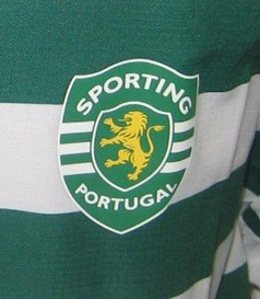Home Sporting Lisbon shirt from a season where Ronaldo was gone years ago