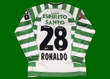 Sporting Cristiano ROnaldo shirt. Poor counterfeit low quality reproduction