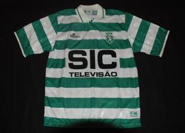 Equipamento do Sporting da Saillev com publicidade SIC TV