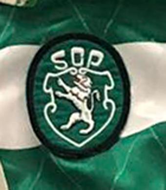 1992/93 a 1994/95. Camisola de jogo da formação, Umbro de mangas compridas com patrocínio Águas Caramulo