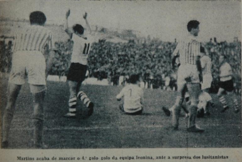 Equipamento alternativo do Sporting branco, de 1955/56