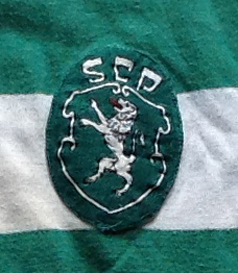 camisola antiga do Sporting do goleador Dinis 1970 emblema do clube