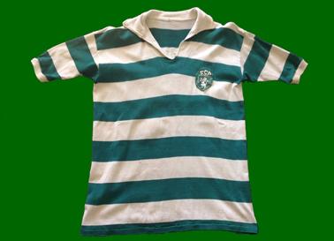 1960 a 1964. Camisola de jogo do jogador do Sporting do Osvaldo Silva