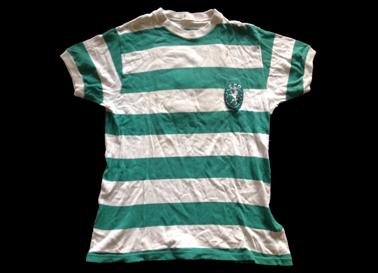 camisola usada em jogo por um defesa central 1973