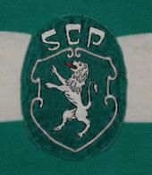 maillot tres vieu du Sporting du Portugal de Lisbonne 1977 1979