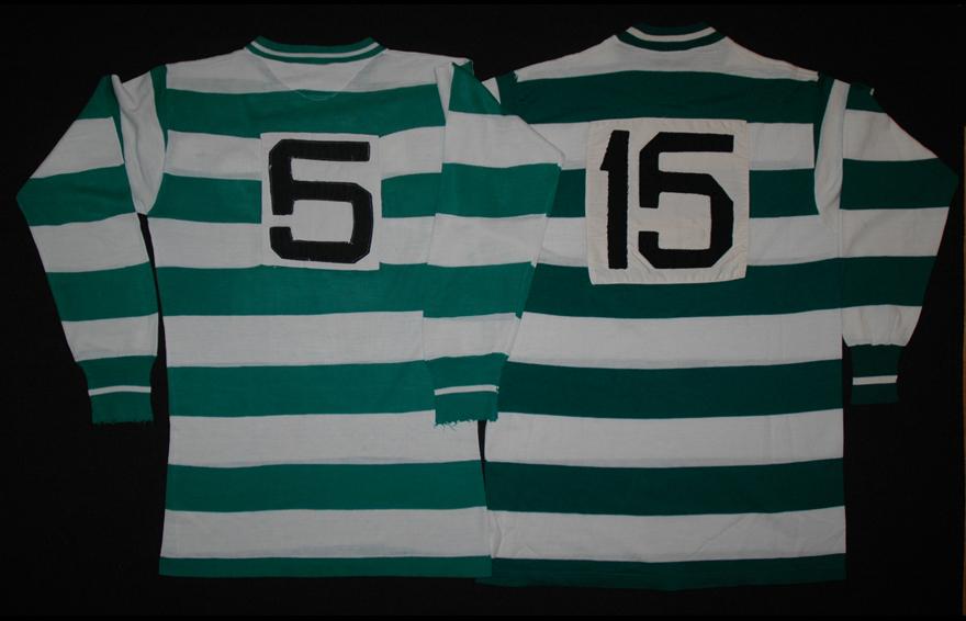 Equipamentos de futebol do Sporting de mangas compridas usados de 1965/66 a 1971/72 e em 1972/73 - costas