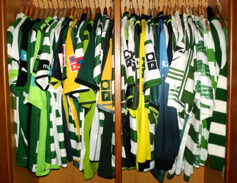 Colecção de camisolas e equipamentos do Sporting Clube de Portugal