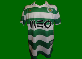 2013/14. Brazilian cheap fake shirt with authentic licensed product