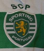 2013/14. Equipamento listado contrafeito do Sporting com símbolo authentic licensed product e todos os detalhes errados
