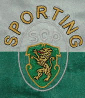 camisola do Sporting contrafeita 1994 95 emblema