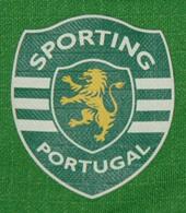 Training shirt of Sporting Athletics. Sponsor Açoreana Insurance, Group Banif 2009/10