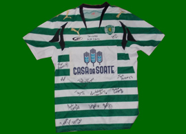 Matchworn shirt, signed by the 2012/13 Sporting Lisbon  rollerskate hockey squad