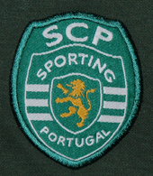Longsleeved training Polo from a Sporting Lisbon athlete