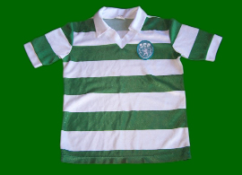 Child jersey, without brand, acquired in the Alvalade official Sporting shop in 1990 or 1991