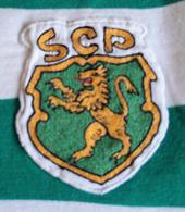 Réplica anos 1970, vendida como se fosse da loja oficial do Clube