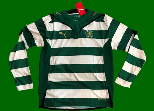 Puma sample. Sporting Lisbon does not sell to the public longsleeved home shirts without sponsor